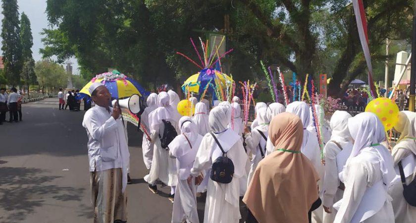 Mahasiswa STAI Darul Ulum Kandangan Ikuti Karnaval Tahun Baru Islam